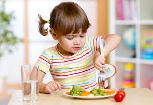 کاهش مصرف این ماده غذایی از دوران کودکی؛ راهی به سوی سلامت فردا