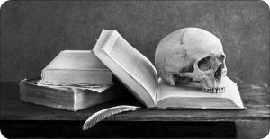 آیا خواندن کتاب های ژانر وحشت مفید است؟