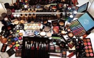 کشف ۲ میلیاردی لوازم آرایشی قاچاق در گرگان