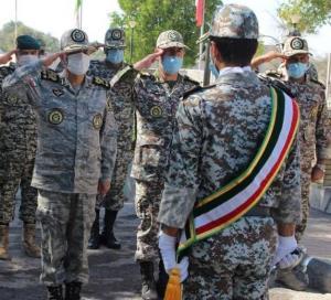 فرمانده ارتش از پدافند هوایی شهید اسماعیلیان بندر لنگه بازدید کرد