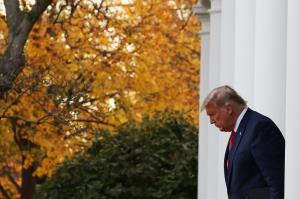 سیانان: ترامپ هیچ گاه این قدر تنها نبوده است