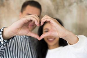 رفتار زنی که عاشق شوهرشه