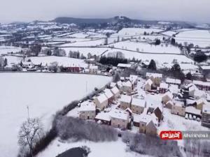 روستای پوشیده از برف در انگلیس