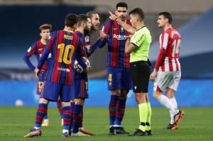 بارسلونا از غیبت مسی به سلامت عبور کرد