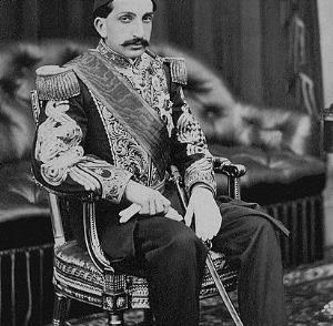 رمانهایی درباره قیام مردم هزاره در ترکیه و سقوط امپراتوری عثمانی