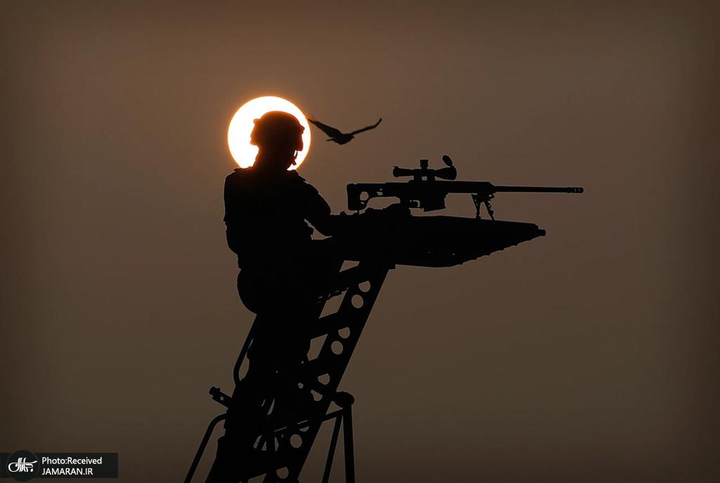 سرباز گارد امنیت ملی هنگام تمرین برای رژه روز جمهوری در دهلی