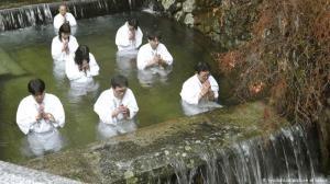 دعا در آب سرد برای پایان همه گیری کرونا