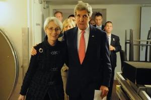 عرب نیوز: کری و شرمن برای تعامل با ایران خیلی عجولند