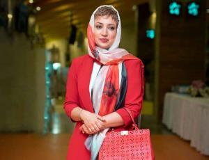 انگلیسی صحبت کردن نگار عابدی در برنامه زنده