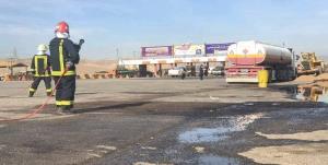 آتش نشانان مانع انفجار ۳۰ هزار لیتر بنزین در اتوبان کاشان شدند