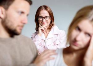 انواع مادرشوهر و رفتار مناسب با هر کدام را بشناسید