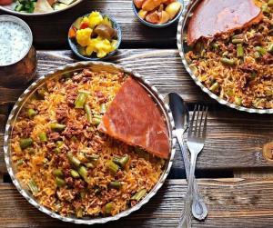 آموزش مرحله به مرحله لوبیا پلو با مرغ؛ غذای اصیل و لذیذ ایرانی