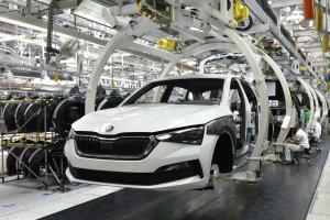 استارت خودروسازان خارجی برای ورود به بازار ایران