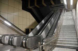 حادثه برای زن و شوهر تهرانی روی پله برقی