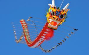 بادبادک 100 متری اژدها در آسمان چین
