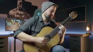 اجرای قطعه «دزدان دریایی کارائیب» با گیتار کلاسیک