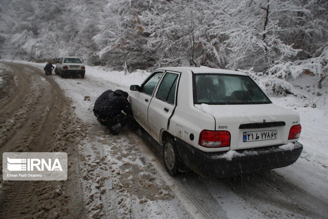 تردد در گردنههای کوهستانی زنجان با زنجیر چرخ امکانپذیر است