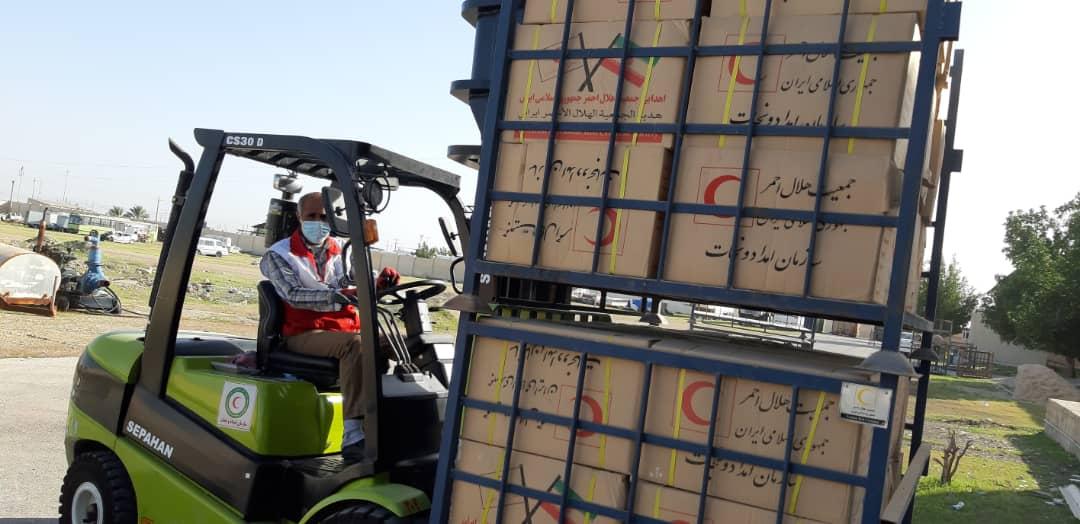 ارسال دومین محموله کمکهای مردم بوشهر برای زلزله زدگان سیسخت