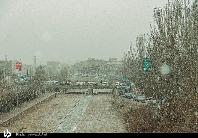 عکس/ آخرین نفسهای زمستان در تبریز
