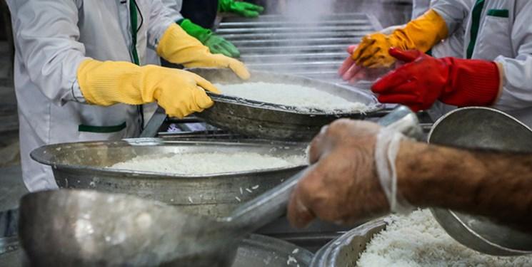 هیأتیها روزانه ۳ هزار پرس غذای گرم برای زلزلهزدگان سیسخت میپزند