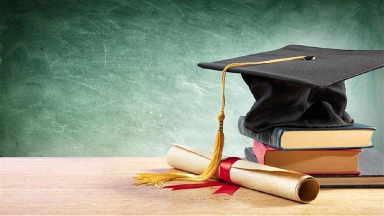 مسنترین دانشجوی کارشناسی ارشد دانشگاه سمنان فارغالتحصیل شد