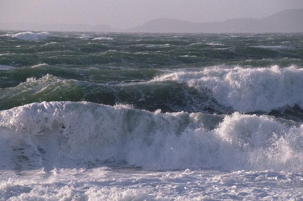 دریای خزر امروز و فردا مواج و طوفانی است