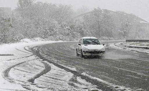 بارش برف در اردبیل؛ راههای ارتباطی باز است
