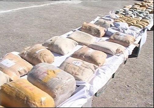 توقف پژو با ۱۰۰ کیلو تریاک در پاسگاه رامشه اصفهان
