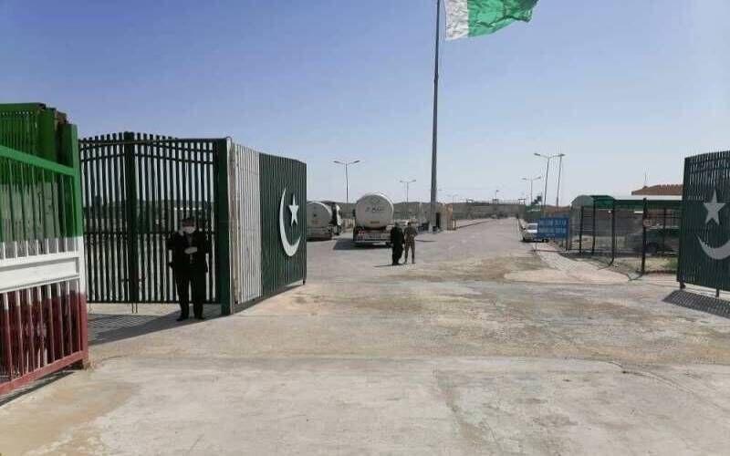 ۴۷ مورد مثبت کرونا در مرز میرجاوه به پاکستان برگشت داده شدند