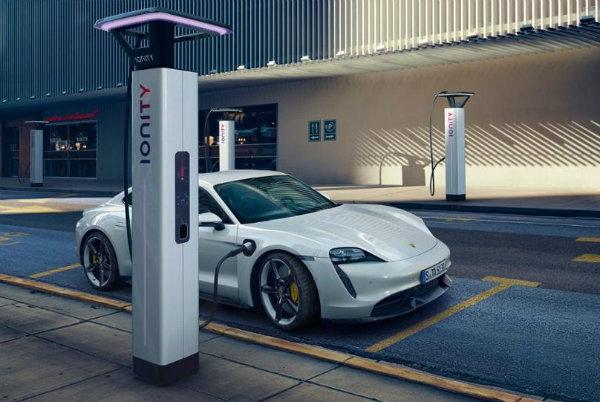 رکورد فروش خودروهای برقی در آمریکا شکسته شد