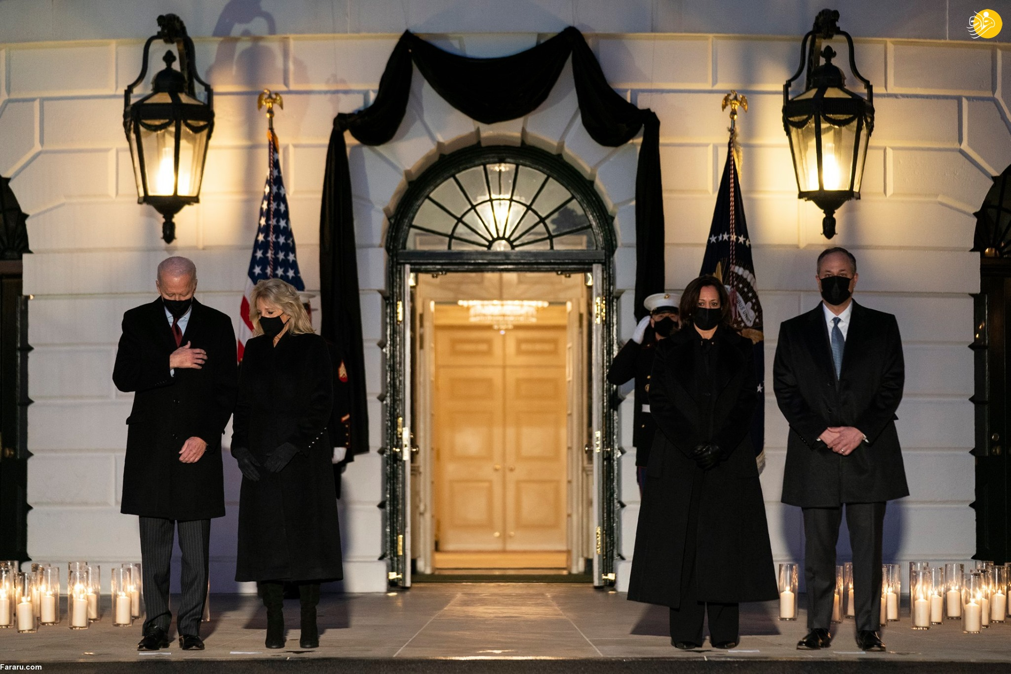عکس/ ادای احترام بایدن به ۵۰۰ هزار قربانی کرونا در آمریکا