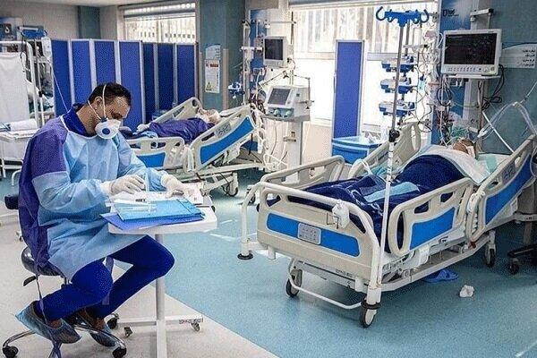 عکس/ لحظه زیبای نماز ظهر در بیمارستان رازی اهواز