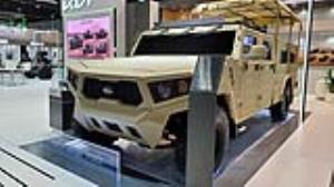 نمایش خودروی تاکتیکی و زرهی کیا در نمایشگاه IDEX