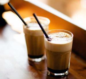 قهوه خامه ای 3 رنگ نوشیدنی جذاب زمستانی