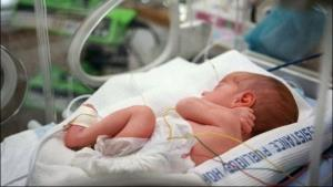 پزشک، نوزاد را به جای هزینه زایمان مصادره کرد
