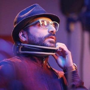 توئیت بهزاد عمرانی خواننده گروه بمرانی درباره جایزه جشنواره موسیقی فجر