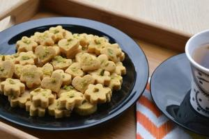 آسان ترین روش طرز تهیه شیرینی نخودچی خانگی پرطرفدار