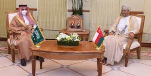 تأکید وزرای خارجه عربستان و عمان بر حمایت از امنیت و ثبات منطقه