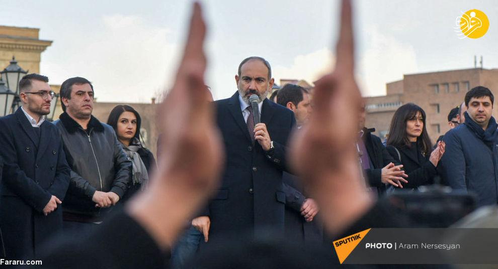 عکس/ نخست وزیر ارمنستان در تظاهرات ایروان