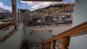 زلزلهزدگان سیسخت ۱۰ میلیون تومان دریافت کردند