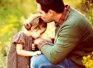 چرا دخترها به ارتباط درست با پدر نیاز دارند؟