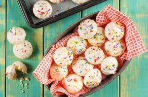 طرز تهیه شیرینی پفکی مخصوص عید نوروز