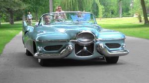 ملاقات با یکی از عجیب ترین خودروهای تاریخ!