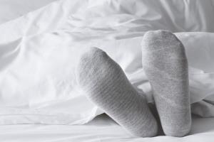 موقع خواب شبانه جوراب بپوشید