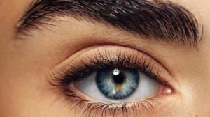۷ عادت غلط که سلامت چشم را تهدید میکند