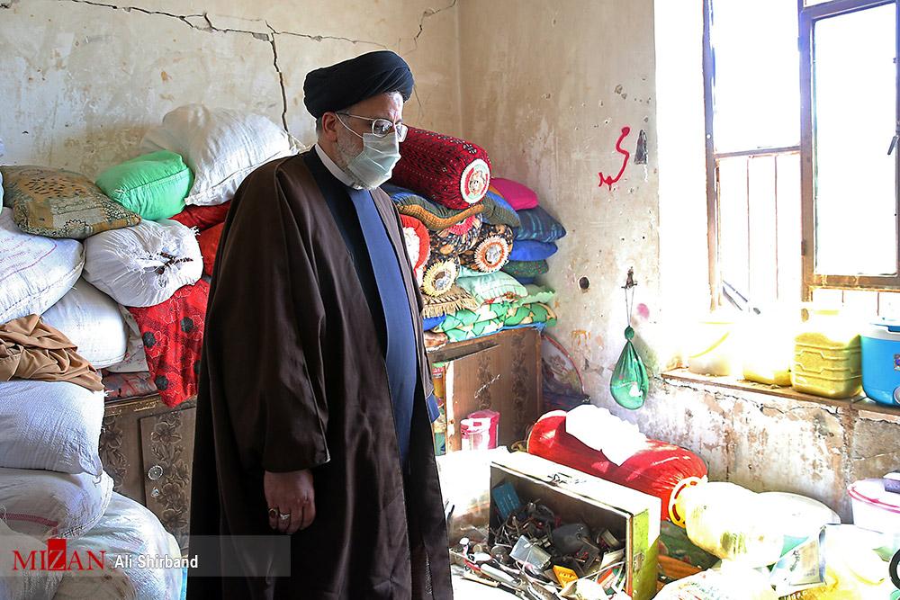 عکسهای برگزیده؛ حضور رئیسی در مناطق زلزله زده سی سخت