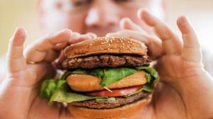 همبرگر واقعا چگونه تهیه میشود؟