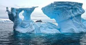 جدا شدن قطعه یخ عظیم در دریاچه میشیگان