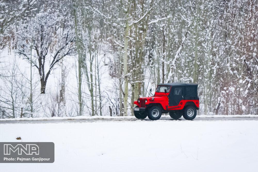 بارش برف سنگین در روستای «ارجنک» چهارمحال و بختیاری