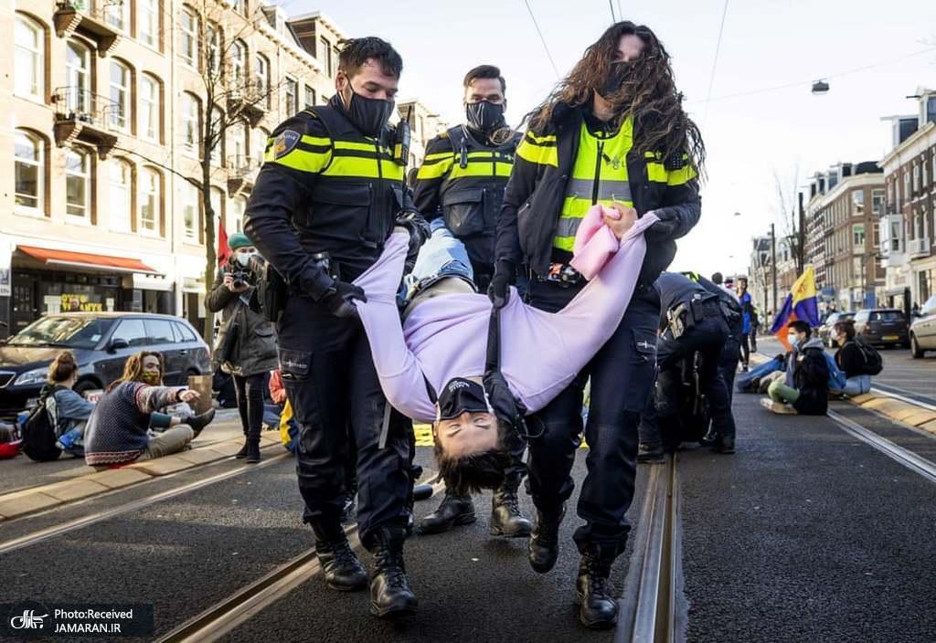 عکس/ دستگیری معترضان در هلند
